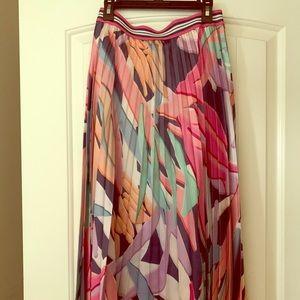 Twisted Wunder Pleated Midi Skirt size 6